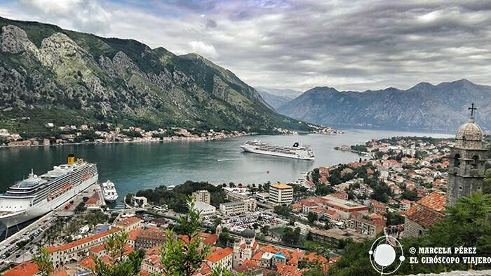 Cruceros en la bahía de Kotor