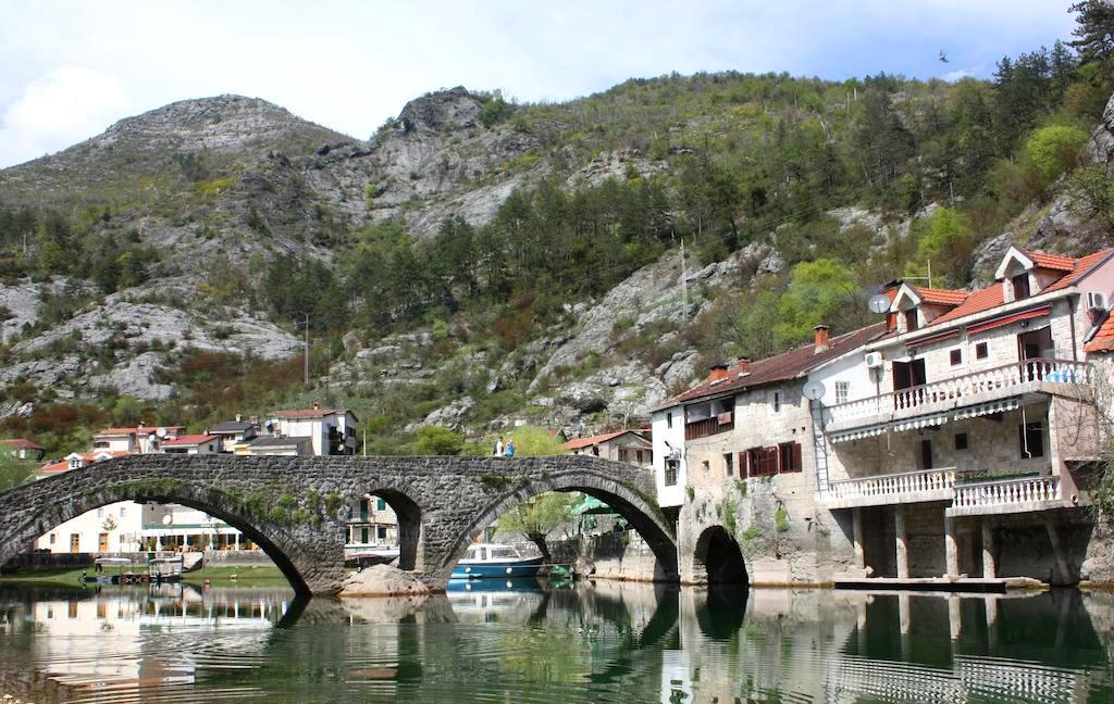 El puente de Rijeka Crnojevica