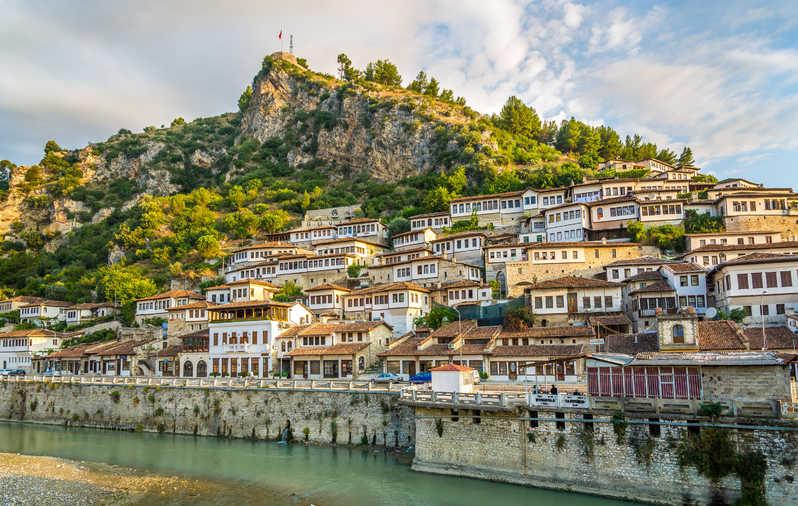 Panorámica de la ciudad de Berat en Albania